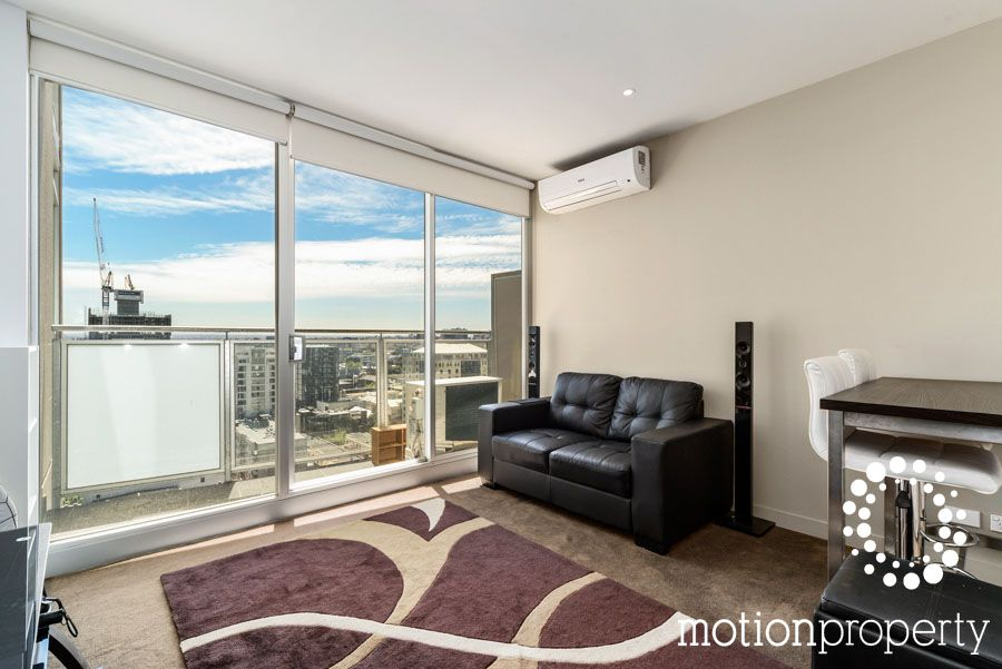 Magnificent panoramic views - Inner city living at its best!!